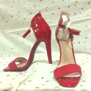 New DELICIOUS brand shoes, size 7.